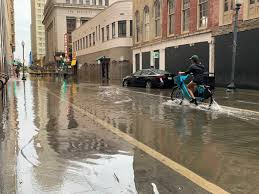 State of emergency in New Orleans. After the floods, a hurricane may come - TSF